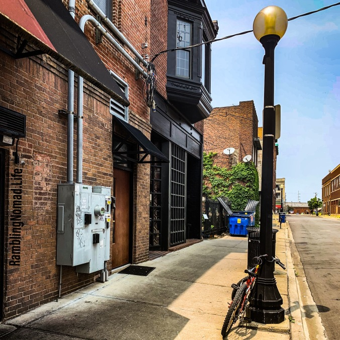 1200 Street Lamp